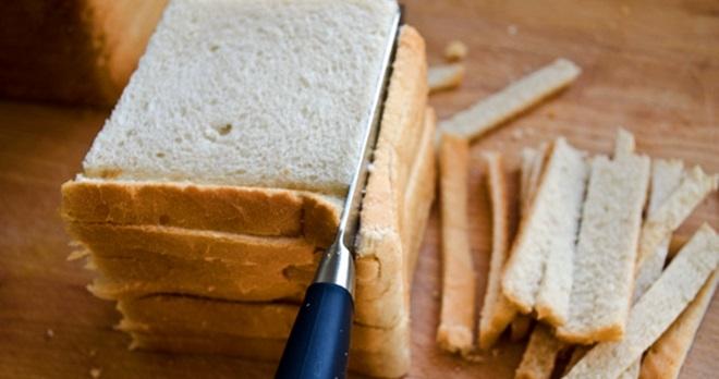 研究:面包皮可抗癌 专家:烤了就会致癌