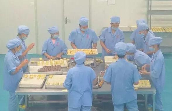 """中国无人烘焙工厂曝光,""""无人""""时代真的来"""